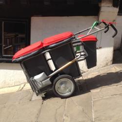 Улични хигиенни колички